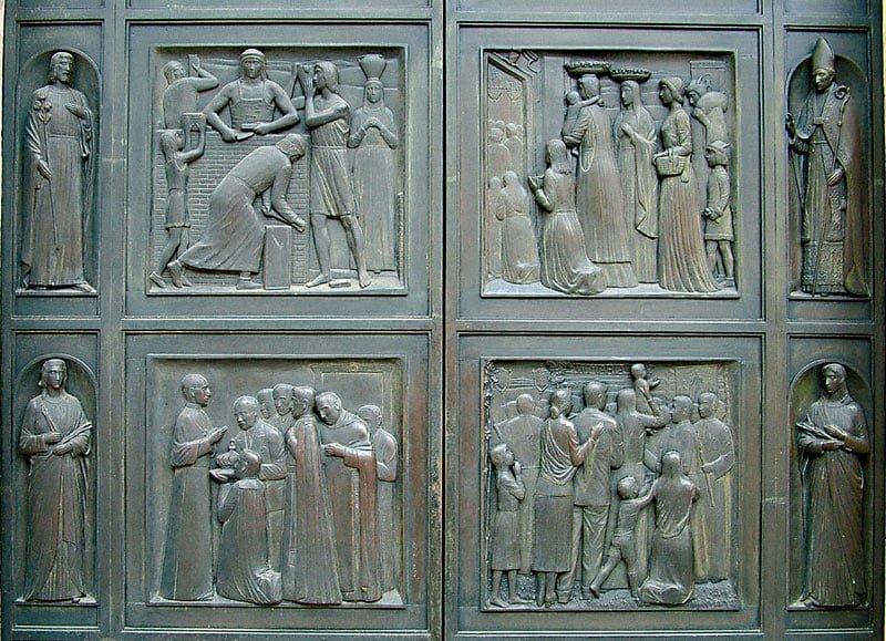 portale basilica della misericordia macerata