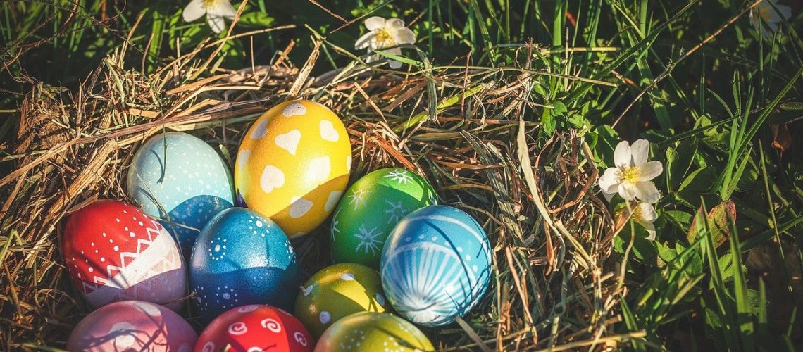 uova colorate tradizioni di pasqua nelle marche