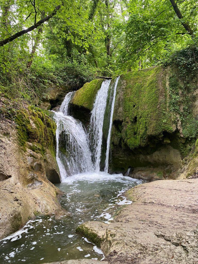Cascatelle dei Romani, via delle Cascate perdute a Sarnano